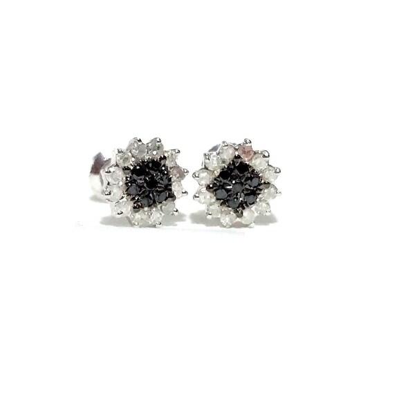 Beautiful 0.29 Carat Round Brilliant Cut Genuine Black & White Diamond Cluster Earring