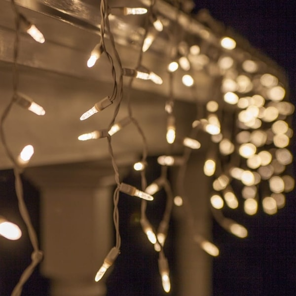 """Wintergreen Lighting 69419 LED M5 Twinkle Icicle Lights with 6"""" Spacing and White Wire"""