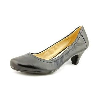 Naturalizer Stargaze N/S Round Toe Leather Heels
