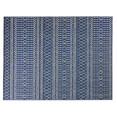 Currie Indoor and Outdoor Area Rug by Christopher Knight Home