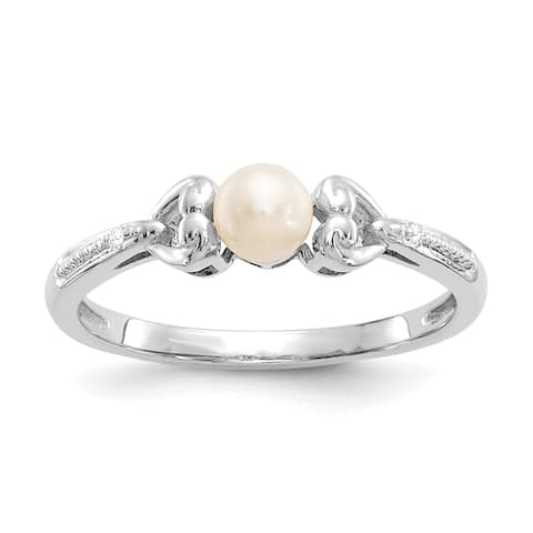10K White Gold Freshwater Cultured Pearl and Diamond Ring by Versil