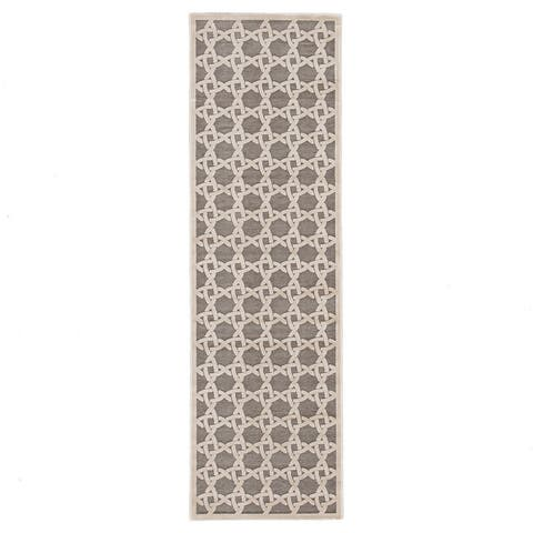 Carson Carrington Sande Trellis Area Rug