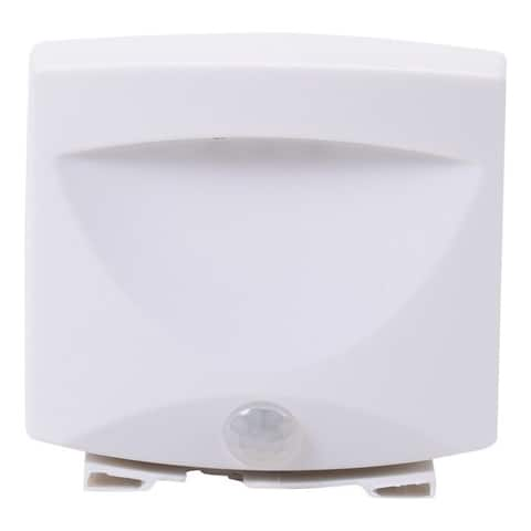 Maxsa(r) innovations 40341 battery-powered motion-activated outdoor night light (white)