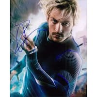 Signed Johnson Aaron Taylor The Avengers Age of Ultron 8x10 Photo autographed
