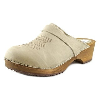 Steve Madden Maurre Round Toe Leather Clogs
