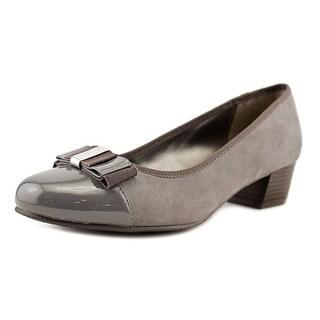 Karen Scott Darragh   Round Toe Canvas  Heels