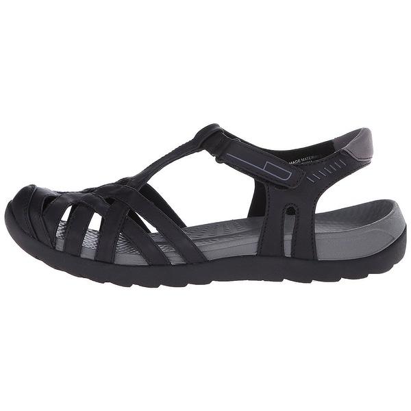 da25dbad9 Shop Bare Traps Womens Feena Closed Toe Casual Flat Sandals - Free ...