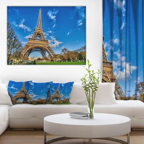 Designart 'Beautiful Winter Day in Paris' Extra Large Cityscape Wall Art on Canvas