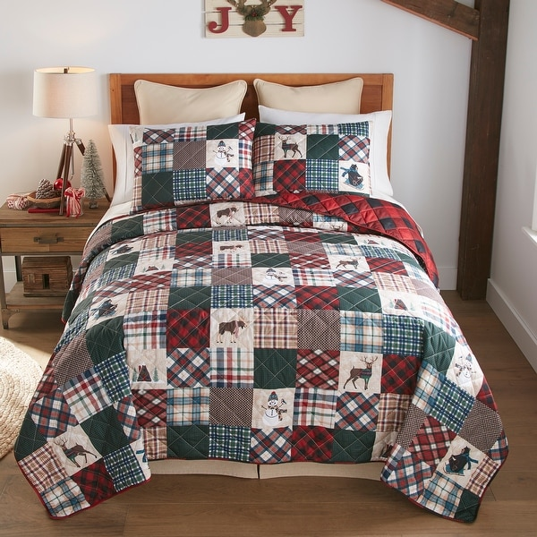 """Your Lifestyle by Donna Sharp """"Snow Day"""" Quilt Set. Opens flyout."""