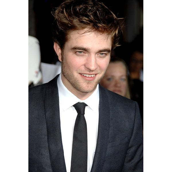 Robert Pattinson At Arrivals For The Twilight Saga New Moon Premiere Mann  Village And Bruin Theaters af1b8d0b86d3