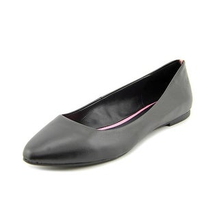Mia Amanda Pointed Toe Leather Flats