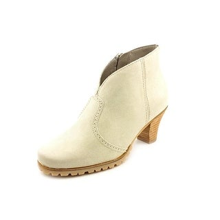 Softwalk Dakota Women N/S Round Toe Leather Ivory Bootie