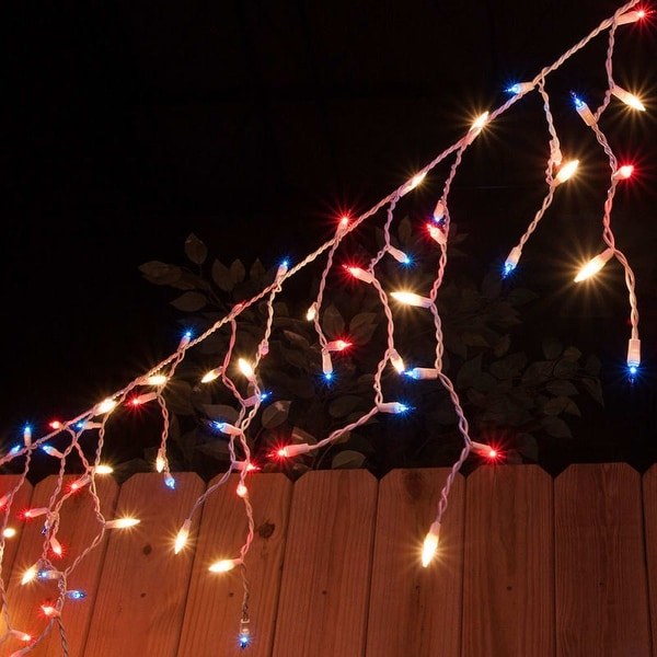 """Wintergreen Lighting 15237 9' Long Indoor Mini Icicle Lights with 4"""" Spacing and White Wire"""