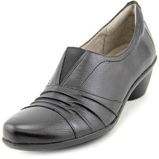 Naturalizer Hattie Women Round Toe Leather Loafer