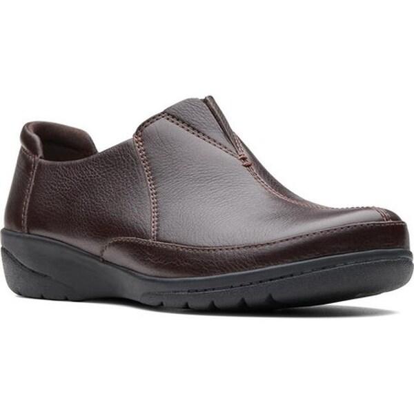 524203587e19 Shop Clarks Women s Cheyn Bow Slip-On Brown Full Grain Leather ...