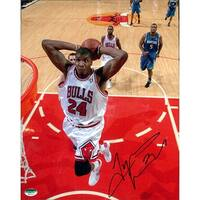 Signed Thomas Tyrus Chicago Bulls 8x10 Photo autographed