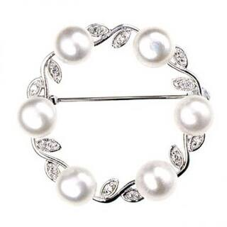 Bling Jewelry 925 Sterling Silver Freshwater Cultured Pearl Leaf Circle Brooch Pin|https://ak1.ostkcdn.com/images/products/is/images/direct/b42eb3174b546ff13d3b29aa29740d7e230e36b4/Bling-Jewelry-925-Sterling-Silver-Freshwater-Cultured-Pearl-Leaf-Circle-Brooch-Pin.jpg?impolicy=medium