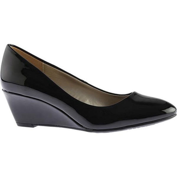 3082cd1f2de Shop Bandolino Women s Franci Wedge Black Synthetic Patent - Free ...