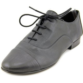 Tahari Serene Round Toe Leather Oxford