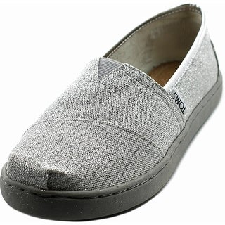 Toms Classics Youth Round Toe Synthetic Silver Sneakers