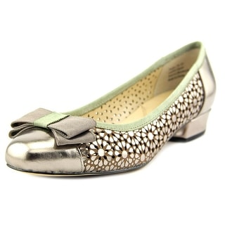 Ros Hommerson Trisha WW Round Toe Patent Leather Ballet Flats