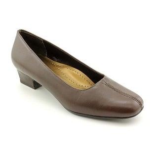 Trotters Doris Women Square Toe Leather Brown Heels