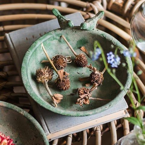 RusticReach Green Iron Tray Bird Decorative Tray