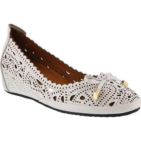 8e8a45e7c989d Spring Step Women s Elwanda Ballet Flat White Leather