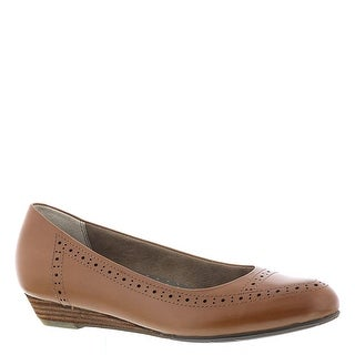 Link to ARRAY Womens York Leather Pointed Toe Ballet Flats Similar Items in Women's Shoes