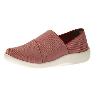 Clarks Women's CloudSteppers Sillian Firn Flat|https://ak1.ostkcdn.com/images/products/is/images/direct/b77bdf6e4128f06e27420b0f378c38207b946f13/Clarks-Women%27s-CloudSteppers-Sillian-Firn-Flat.jpg?impolicy=medium