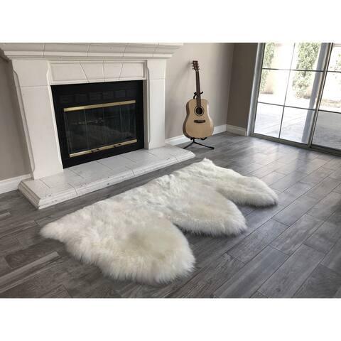 "Dynasty Natural 3-Pelt Luxury Long Wool Sheepskin Off White Shag Rug - 3' x 4'6"""