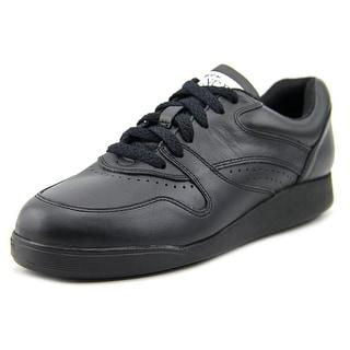 Hush Puppies Upbeat WW Round Toe Leather Walking Shoe