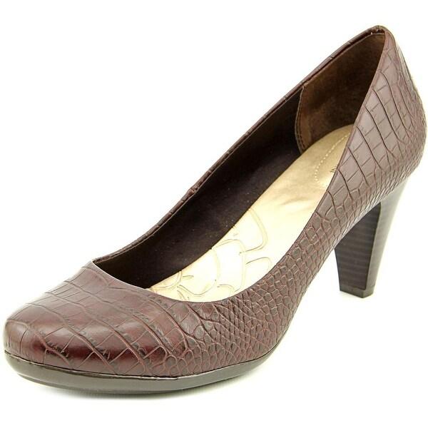 Giani Bernini Sweets Round Toe Synthetic Heels
