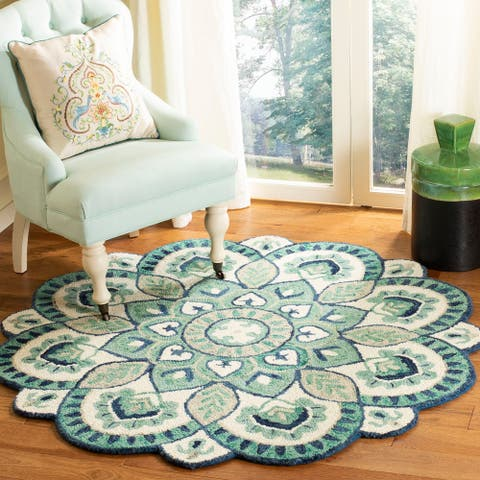 Safavieh Handmade Novelty Urtza Ornate Flower Wool Rug