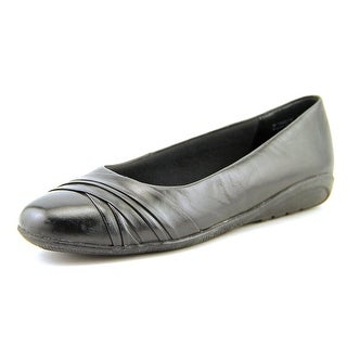 Walking Cradles Flick N/S Round Toe Leather Flats