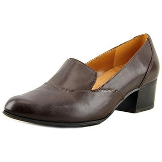 Naturalizer Taylor  W Round Toe Leather  Loafer