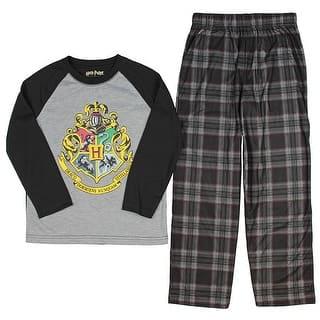 Intimo Big Boys' Harry Potter Hogwarts School Crest Raglan Pajama Set|https://ak1.ostkcdn.com/images/products/is/images/direct/b9c7f19797b43f0cef1cadf5202a4cb381e647ee/Intimo-Big-Boys%27-Harry-Potter-Hogwarts-School-Crest-Raglan-Pajama-Set.jpg?impolicy=medium