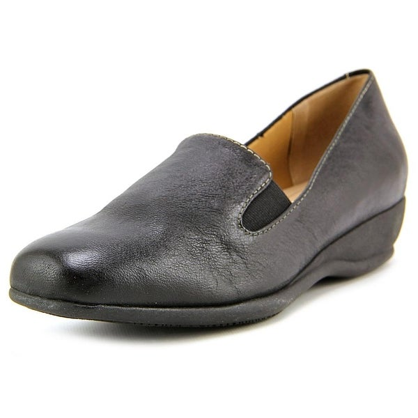 Trotters Lamar Women N/S Round Toe Leather Black Loafer