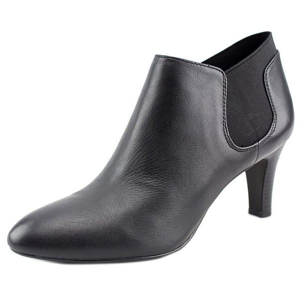 Bandolino Wilbur Women Pointed Toe Leather Black Bootie