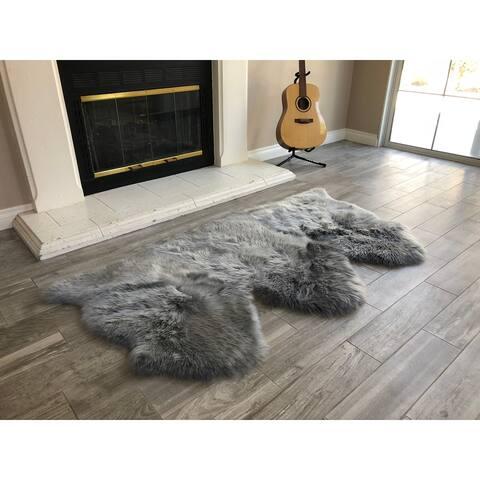 """Dynasty Natural 3-Pelt Luxury Long Wool Sheepskin Grey Shag Rug - 3' x 4'6"""""""