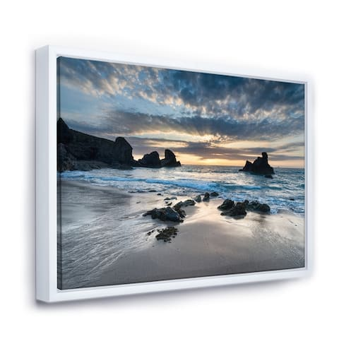 Designart 'Beautiful Porthcothan Bay' Seashore Framed Canvas Art Print