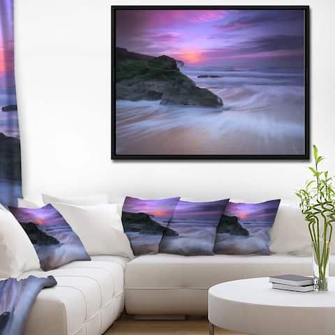 Designart 'Slow Motion Waves on Winch Beach' Seashore Framed Canvas Art Print