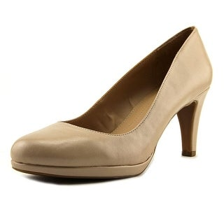 Naturalizer Penny  W Round Toe Synthetic  Heels