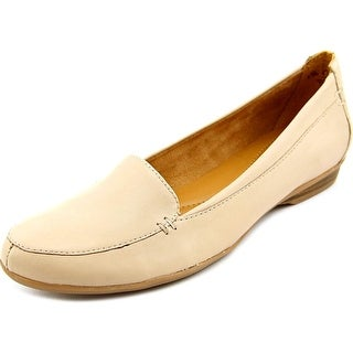 Naturalizer Saban  W Round Toe Leather  Loafer
