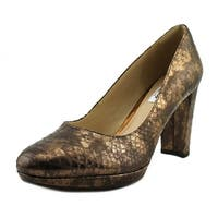 CLARKS Womens Kendra Sienna Leather Closed Toe Platform Pumps
