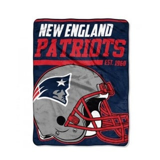 The Northwest NFL New England Patriots Micro Raschel Throw Blanket 40 Yard Dash