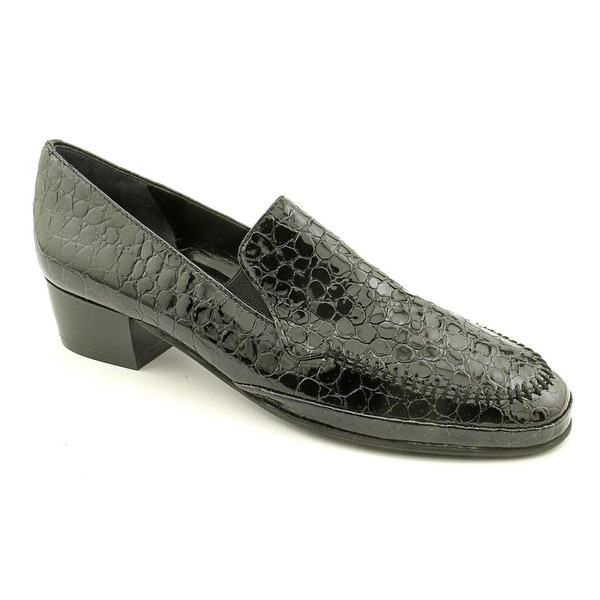 Amalfi By Rangoni Fada Women SS Round Toe Patent Leather Loafer