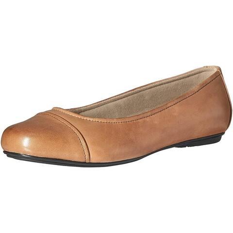 97fb60bdc83f Eastland Womens gia Leather Almond Toe Ballet Flats