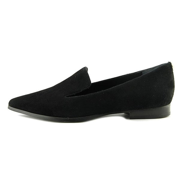 GUESS Womens Loriana Suede Pointed Toe Loafers