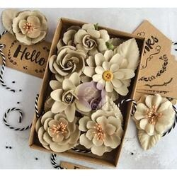 "Sandstone W/Tags 1.25"" - 2.5"" 32/Pkg - Prima Marketing Boxed Flowers"